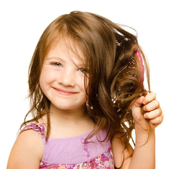 شعر الأطفال والعناية به باستخدام زيت الارغان للاطفال