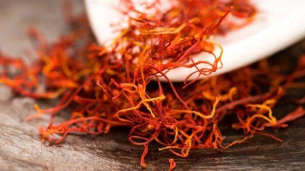 فوائد شاي الزعفران