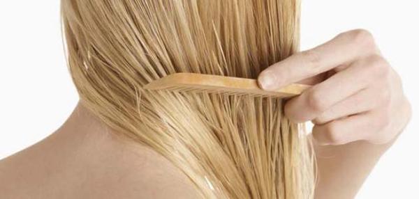 تمشيط الشعر بمشط واسع