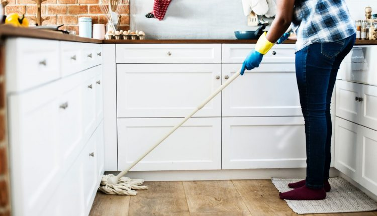 تنظيف المطبخ من الدهون